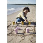 2-Lifestyle-image-beach4